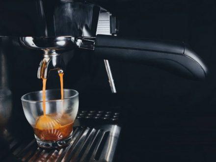 cara menikmati espresso